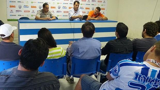 Elias Mansur, Jorge VI e Cicero Eugênio, dirigentes do CSA (Foto: Ascom CSA)