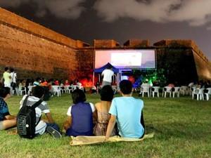 Filmes exibidos em Muralha da Fortaleza de Macapá é atração do FIM (Foto: Alexandre Brito/FIM)