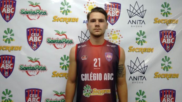 Marco Muraro, zagueiro, 24 anos (Foto: Hélder Rafael)