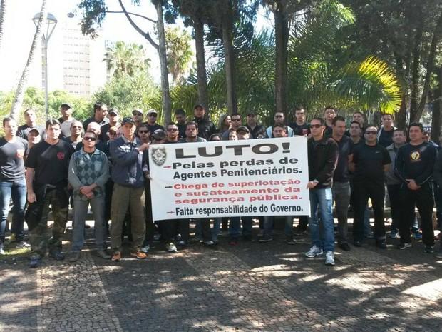 Manifestação dos agentes penitenciários em Uberlândia  (Foto: Leonardo Hamawaki/Divulgação)