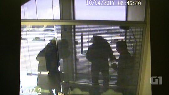 Câmeras registram ação de criminosos em roubo a cooperativa de crédito em Erechim