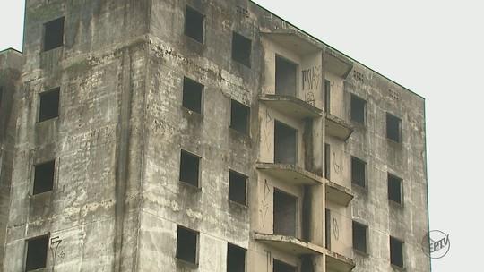 Prefeitura pode desapropriar e tomar imóveis abandonados em Rio Claro, SP