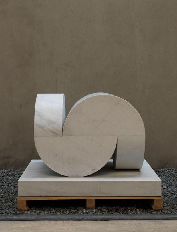 Isabela Giobbi: a elegância do mármore em preto e branco (Foto: Romulo Fialdini/Divulgação)