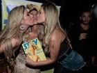 Após repouso, Andressa Urach curte festa com irmãs Minerato