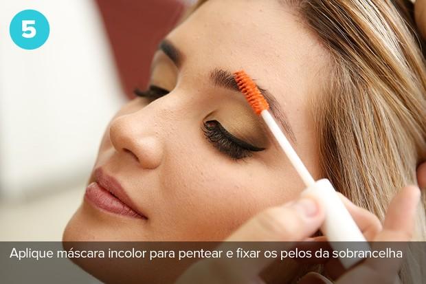 Quinto passo: máscara incolor para pentear e fixar os pelos  (Foto: Marcos Serra Lima/Ego)