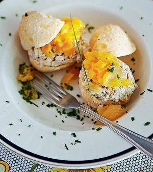 Pão de queijo recheado (Foto: Victor Affaro/Casa e Comida)