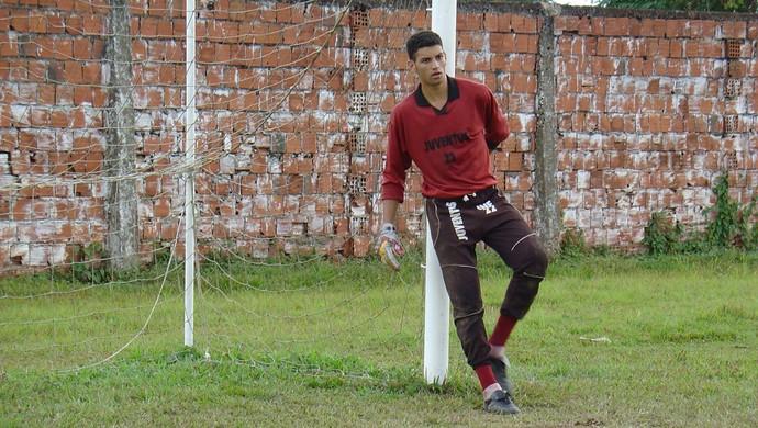 Weverton quando defendia a base do Juventus-AC (Foto: Manoel Façanha/Arquivo pessoal)