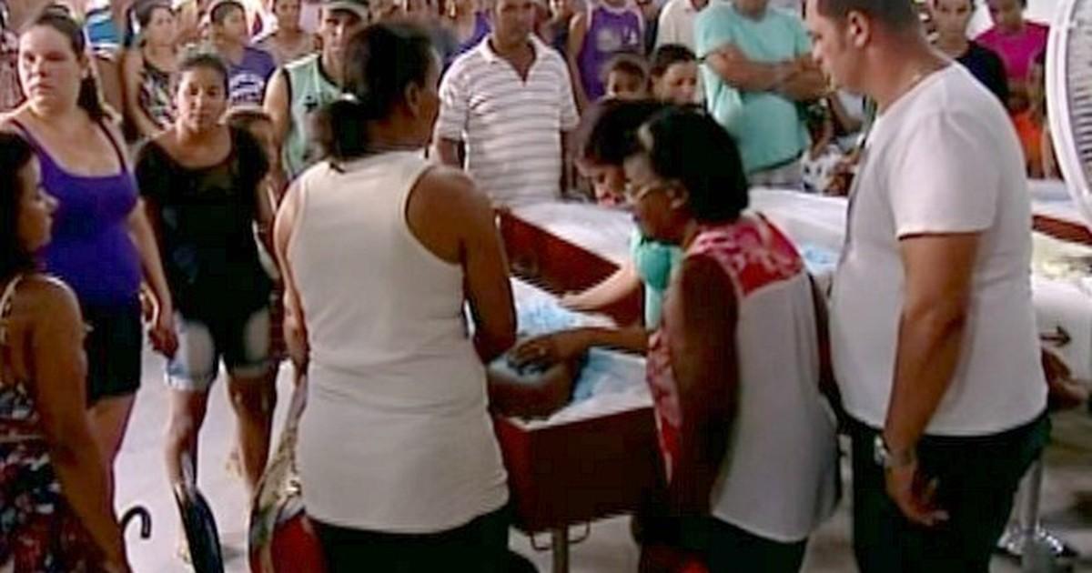 Corpos dos 4 irmãos que morreram afogados são velados no ES - Globo.com
