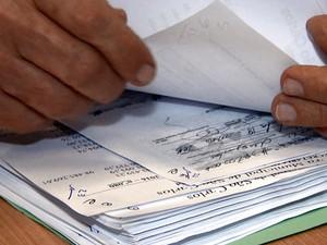Cheques sem fundo eram trocados desde o ano passado (Foto: Rodrigo Sargaço/EPTV)