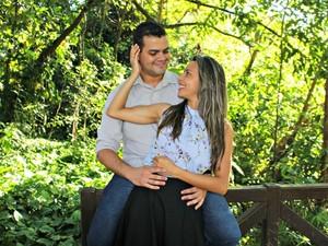 Casal de fisioterapeutas está junto há sete anos (Foto: Graziela Rezende/G1 MS)