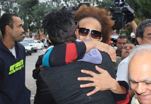 Enterro de Jair Rodrigues - Luciana Mello e Jairzinho (Foto: Celso Tavares/ EGO)