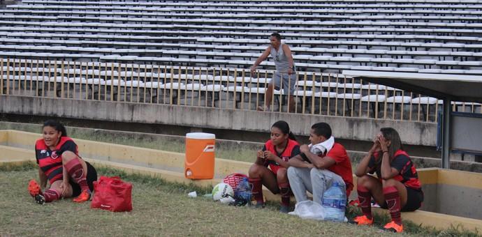 Banco de reservas, Flamengo-PI (Foto: Emanuele Madeira/GLOBOESPORTE.COM)