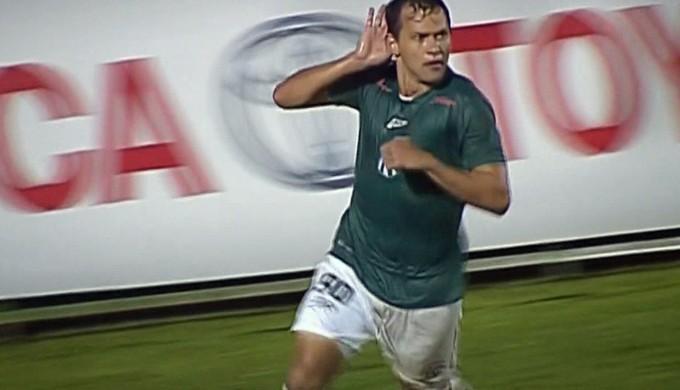O atacante Luiz Eduardo chegou a 7 gols pela Caldense no Campeonato Mineiro (Foto: Reprodução Premiere)