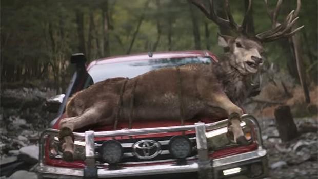 Toyota Hilux lança propaganda polêmica na Nova Zelândia (Foto: Reprodução/ YouTube)