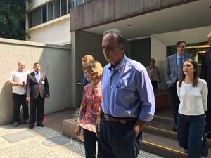 Pezão deixa hospital na Zona Sul do Rio (Foto: Fernanda Rouvenat/G1)