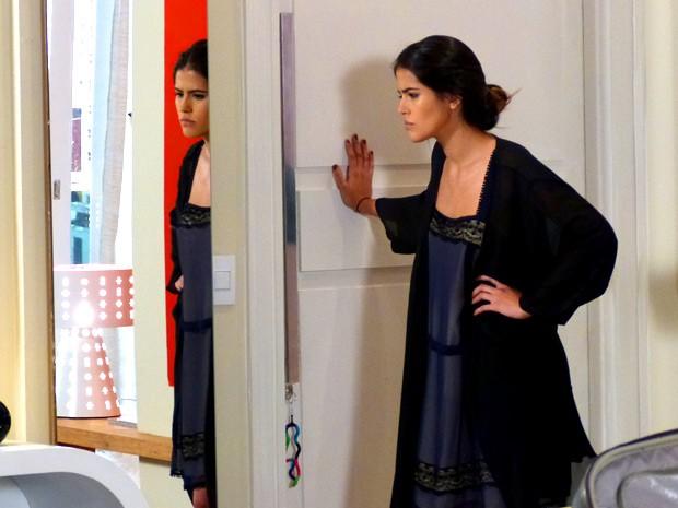 Isadora não abre a porta para Ronaldo (Foto: Guerra dos Sexos / TV Globo)