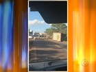 Ônibus com trabalhadores rurais bate em dois carros e deixa feridos