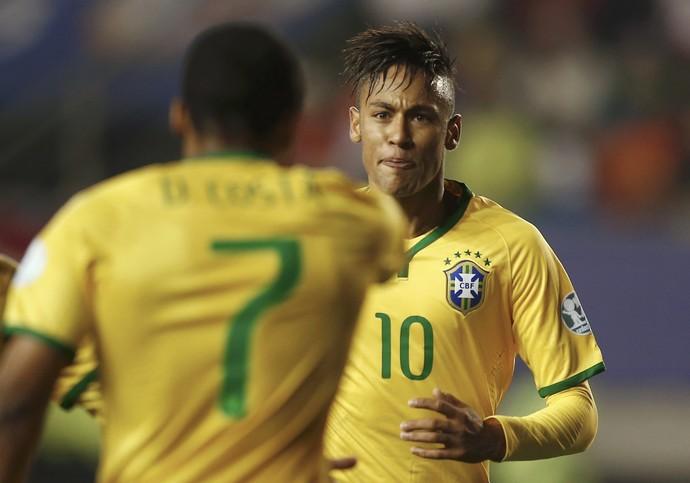Neymar Douglas Costa Brasil Peru (Foto: Reuters)