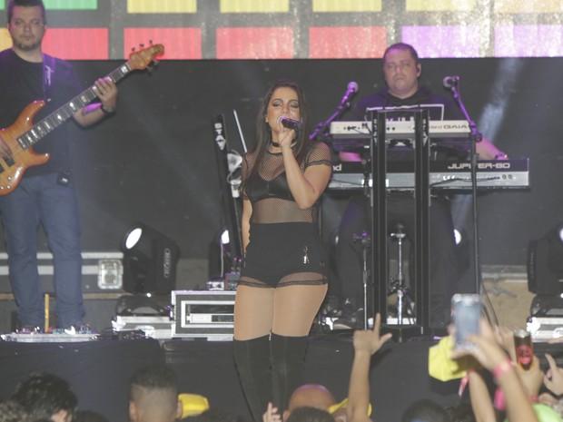 Anitta em show em Feira de Santana, na Bahia (Foto: Fred Pontes/ Divulgação)