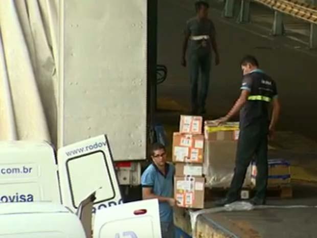 Ajudante de carga e descarga encontra vagas de emprego (Foto: Reprodução / EPTV)