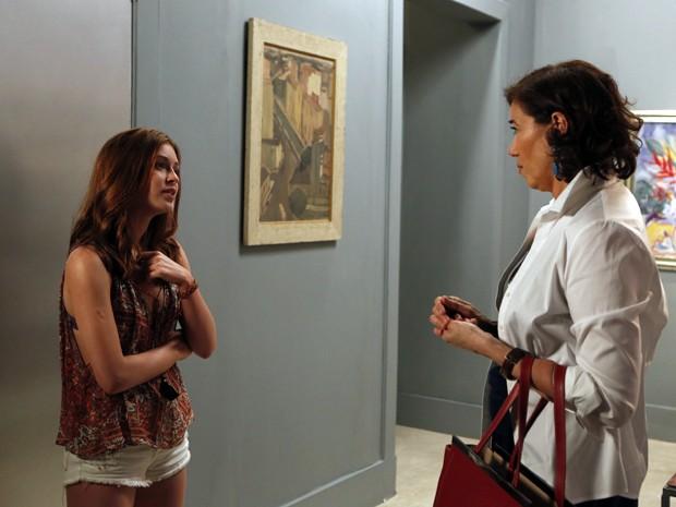Maria Isis não gosta de ouvir as palavras de Marta  (Foto: Artur Meninea/TV Globo)