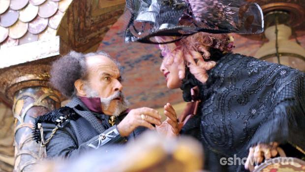 Catarina fica uma fera com o marido! (Foto: Meu Pedacinho de Chão/TV Globo)