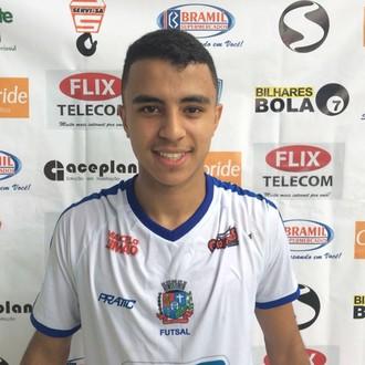 Com três gols, Rodrigo, de Rio Claro, foi o nome da partida (Foto: Divulgação/TV Rio Sul)