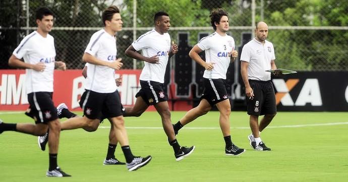 Pato reapresentação Corinthians (Foto: Marcos Ribolli)
