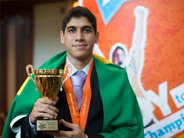 Ian Leitão Ferreira, brasileiro campeão mundial de Excel 2007 (Foto: Divulgação/Microsoft)