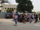 PM detém 50 durante ocupação de escola em ato contra OSs, em Goiânia