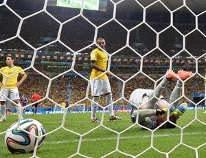 Julio Cesar derrota jogo Brasil x Holanda (Foto: AFP)