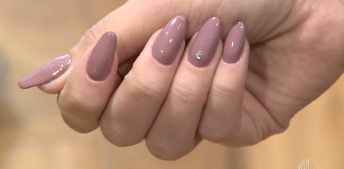 Stiletto: novo formato de unhas que conquistou as mãos das famosas (Foto: Reprodução / TV Diário )