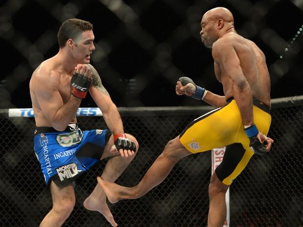 Chris Weidman e Anderson Silva lutam em Las Vegas, nos Estados Unidos (Foto: Jayne Kamin/ Reuters)