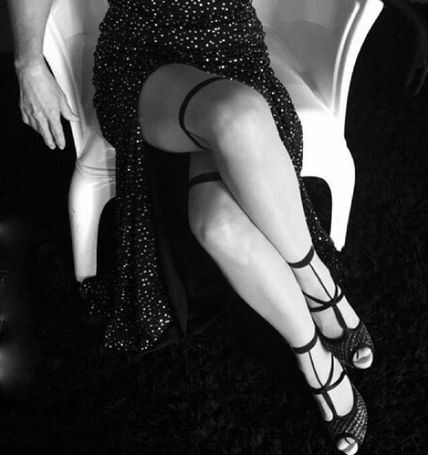 Maitê Proença exibe cruzada de pernas (Foto: Instagram/Reprodução)