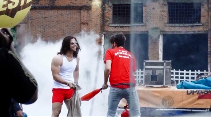 """A performance do """"Bombeiro"""" é uma das mais esperada pelos fãs (Foto: Reprodução EPTV)"""