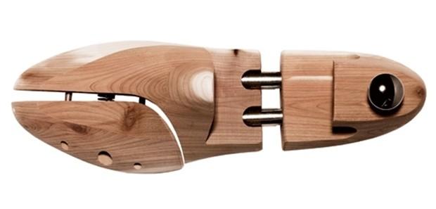 Forma de madeira para o sapato (Foto: reprodução)
