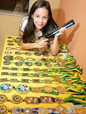 Thaís Moura tiro esportivo (Foto: Marília Camelo/Agência Diário)