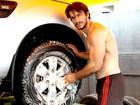Modelo abre lava-rápido e faz sucesso com mulheres: 'Colírio', diz cliente