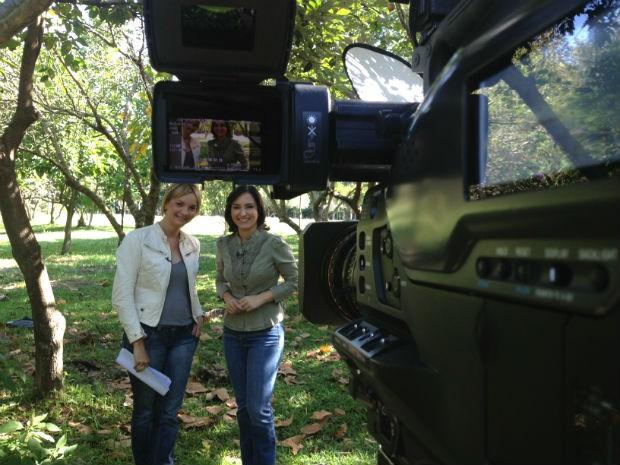 As apresentadoras do Vida e Saúde, Tata Fromholz e Sonia Campos, em gravação do programa (Foto: Mateus Castro/RBS TV)