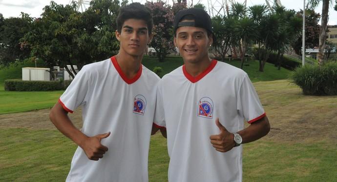 Volante Thiaguinho e atacante Dudu, cedidos por empréstimo ao Cruzeiro (Foto: Hélder Rafael)