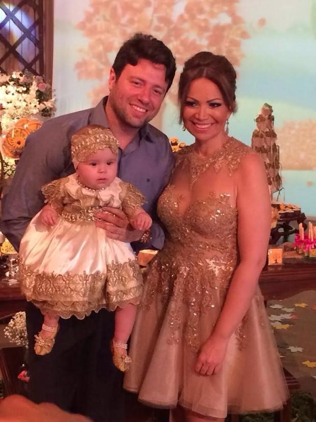 Solange Almeida com a filha Maria Esther e com o empresário Wagner Miau em festa em Fortaleza (Foto: Josefa Coimbra/ Divulgação)