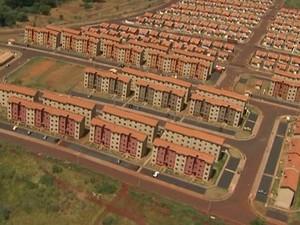 Novos conjuntos habitacionais afastam moradores de serviços de saúde e educação (Foto: Reprodução EPTV)