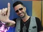Latino convida Roberto Justus para ser seu padrinho de casamento