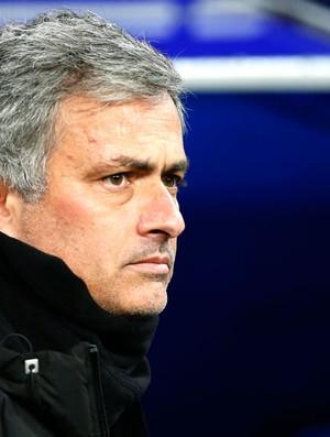 José Mourinho na partida do Real Madrid contra o Barcelona (Foto: Reuters)