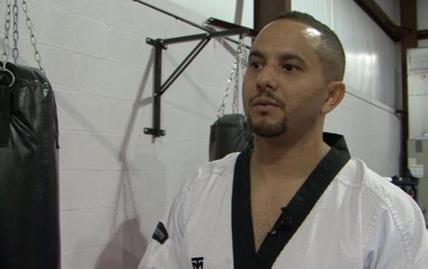 """Régis Lima, professor de tae kwon do, no """"Expresso do Esporte"""" (Foto: Reprodução SporTV)"""