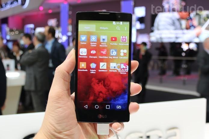 LG Prime Plus tem TV digital no padrão Full-Seg