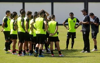 Titulares têm treino leve, e Botafogo não define substituto de Lindoso