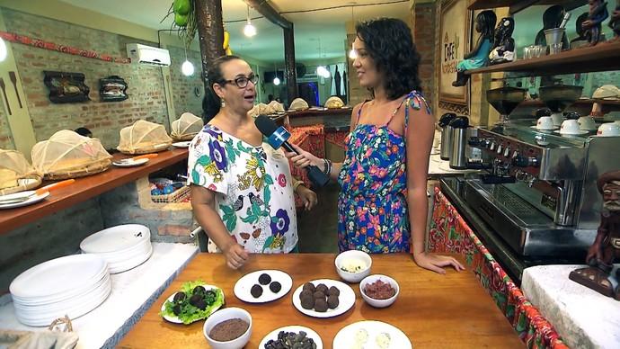 Quem ensina a receita é a empresária Vera Alvim (Foto: TV Bahia)
