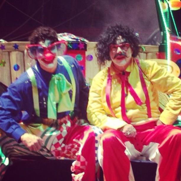 Os atores caracterizados de Nandinho e Bimbinho (Foto: Reprodução/Instagram)
