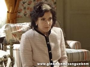 Ela sofre ao lembrar cena (Foto: Sangue Bom/TV Globo)